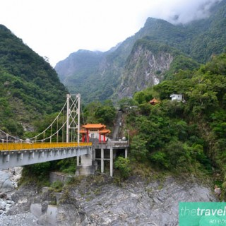 Trailing through Taroko Gorge, Hualien.
